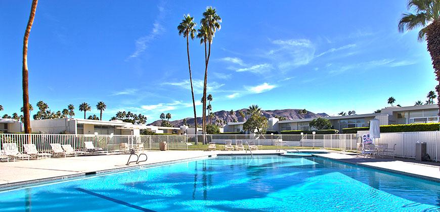 Country Club Estates Condo Community In Palm Springs