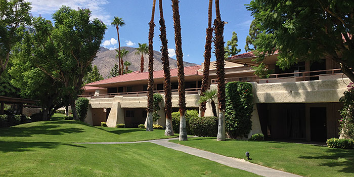 Palm Springs Villas 2 Condo Community In Palm Springs Condos Town Homes For Sale Palm