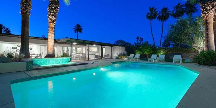Movie colony palm springs neighborhood homes for sale for Palm spring houses for sale