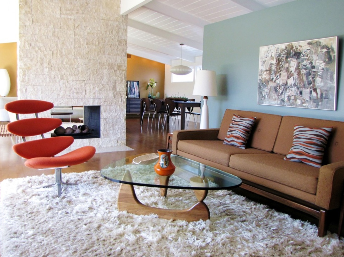 Home In Brentwood California Graphic Midcentury Modern Furnishings