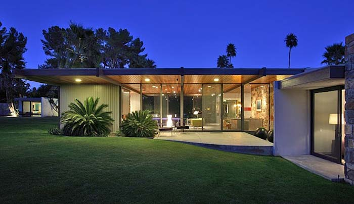 Leonardo dicaprio buys dinah shore 39 s midcentury modern for New mid century modern homes palm springs