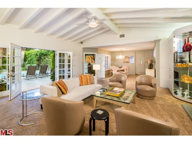 Dinah Shore's palm springs luxury living room in the Movie colony