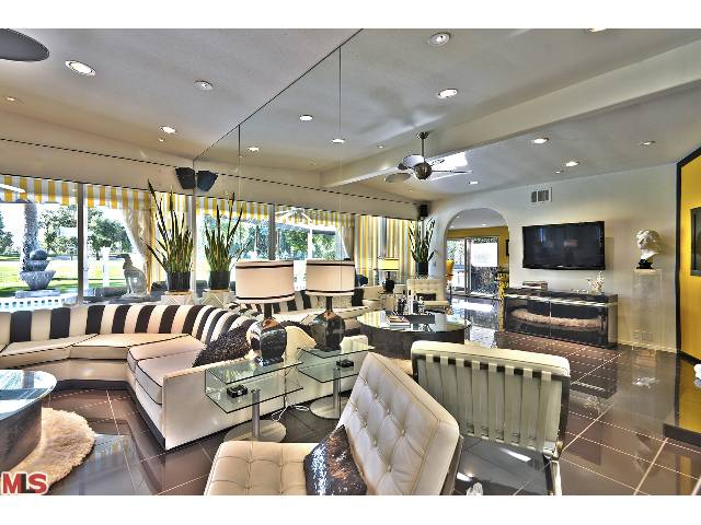 Luxury Resort-style midcentury home in prestigious Indian Wells Country Club