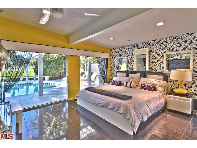 Luxury Resort-style mid-century real estate in prestigious Indian Wells Country Club