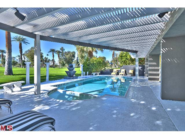 Luxury Resort Style Mid Century Real Estate In Prestigious Indian Wells Country Club