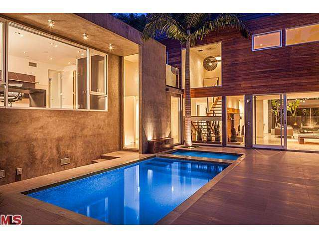 Mid Century home owned by Meryl Streep in the Hollywood Hills