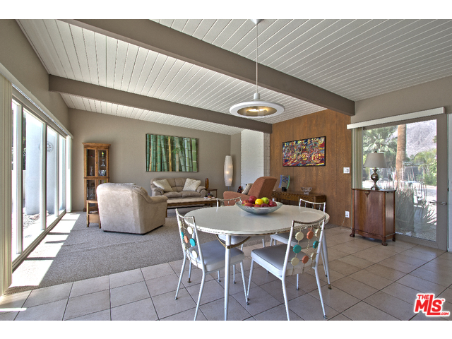 Palm Springs Sunrise Park home with large living room