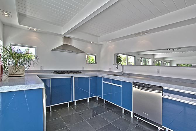 palm-springs-mid-century-home-updated-kitchen