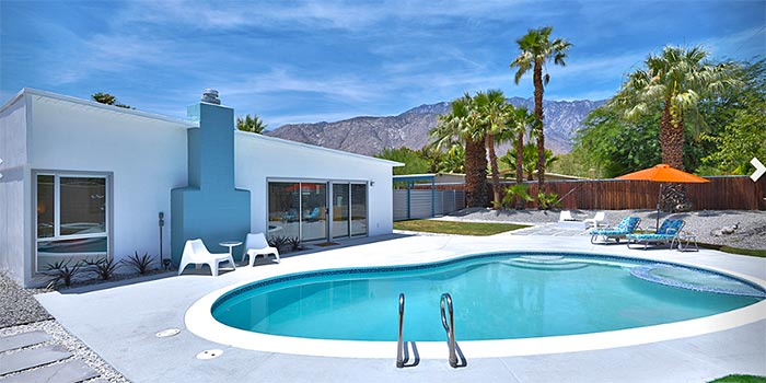 Palm Springs' Alexander butterfly home with Pool and mouton views