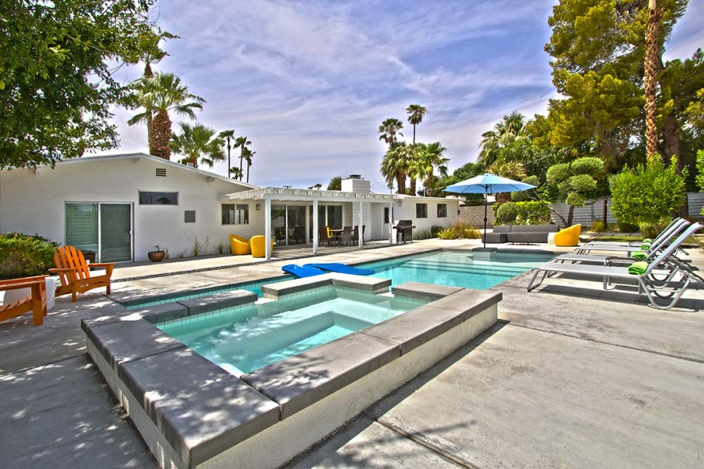 Sunrise Park home with pool and spa