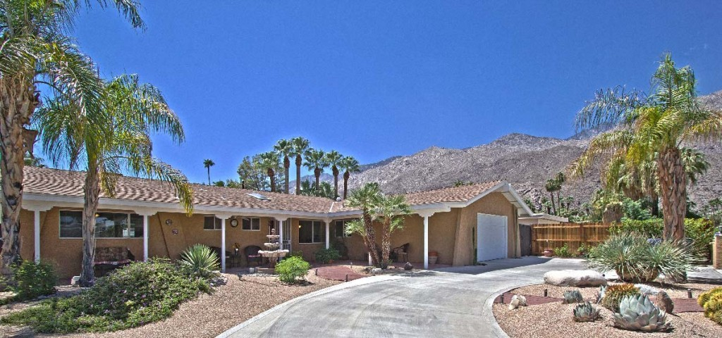 palm-sPalm Springs Tahquitz home circular driveway