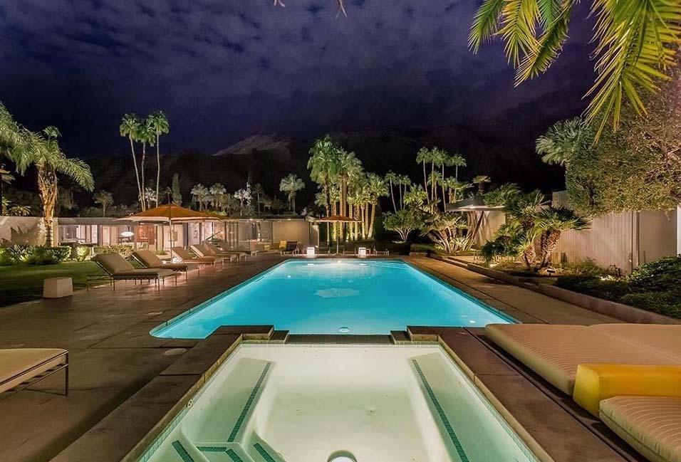 dinah-shore-home-palm-springs-leo-dicaprio-pool-night-shot