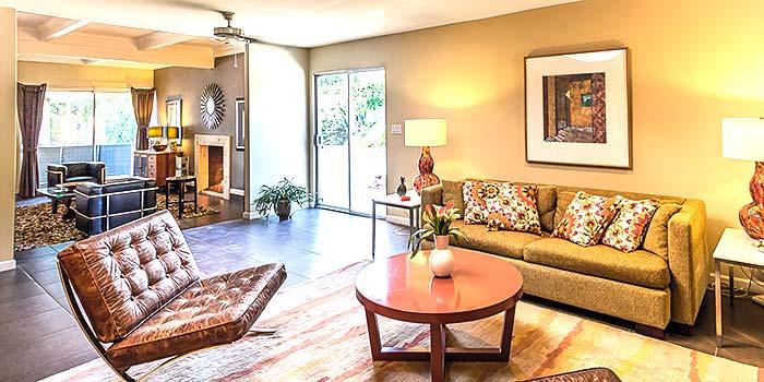 Modern family room in Sunrise Park, Palm Springs