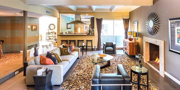 Modern living room in Sunrise Park, Palm Springs
