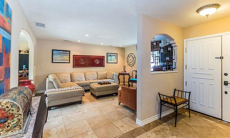 living-room-desert-park-estates-home