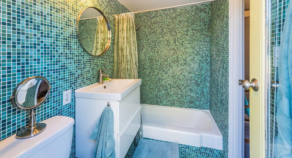 1150 East Adobe Way, Palm Springs; Master bathroom