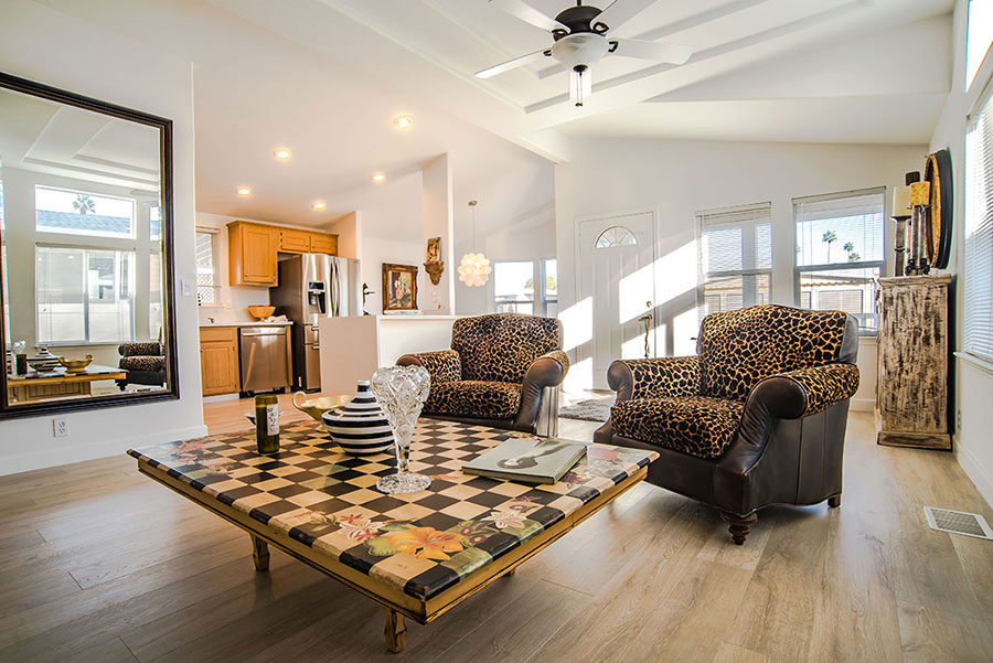 palm-canyon-mobile-club-303-kona-living-room