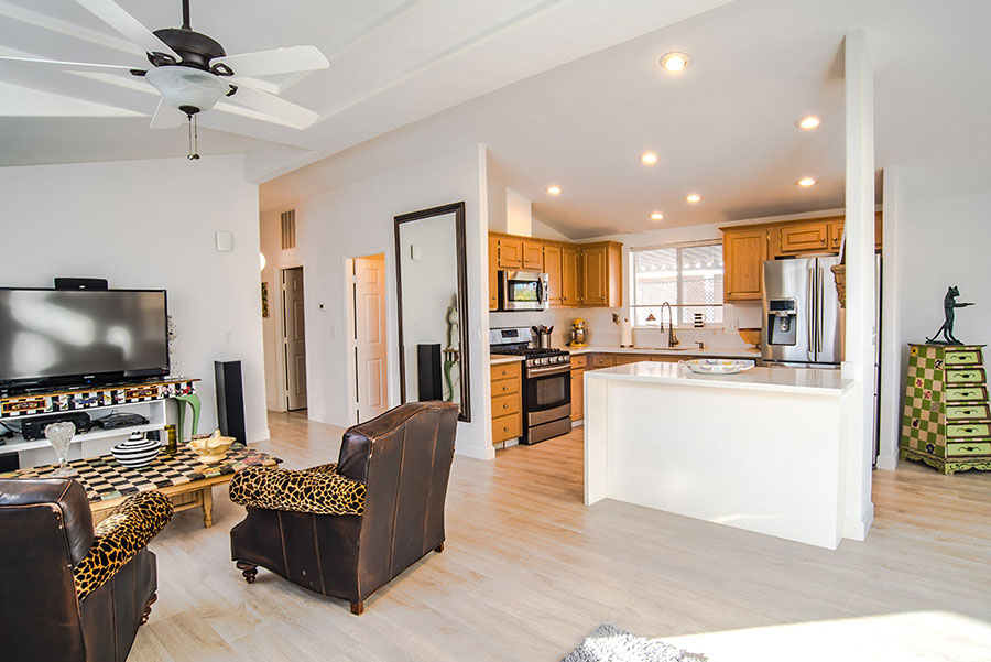 palm-canyon-mobile-club-303-kona-open-kitchen