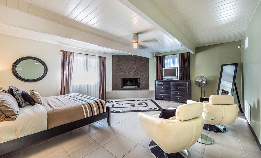 3578 Vivian Way, large den/3rd bedroom