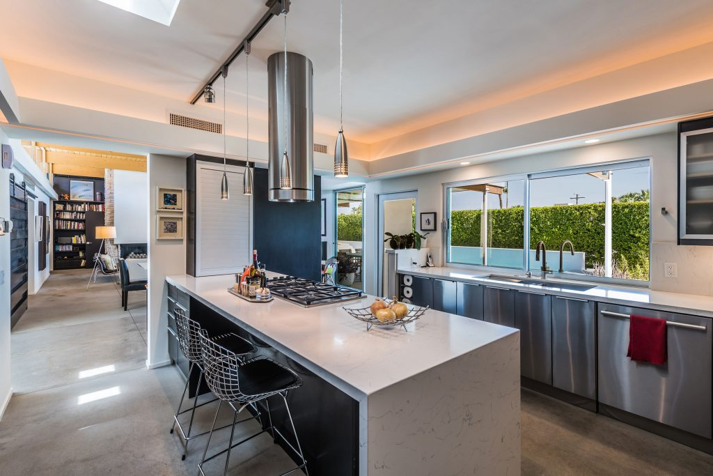 2610 Avenida Caballeros, Palm Springs – kitchen