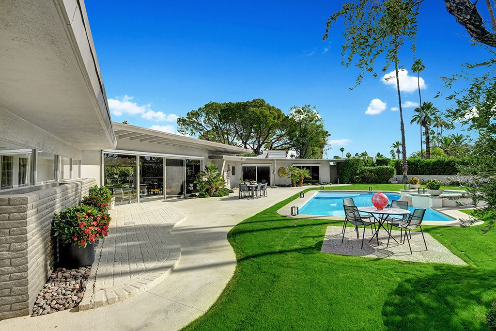 Lawrence Welk home in Palm Springs sold by Alex Dethier in 2020